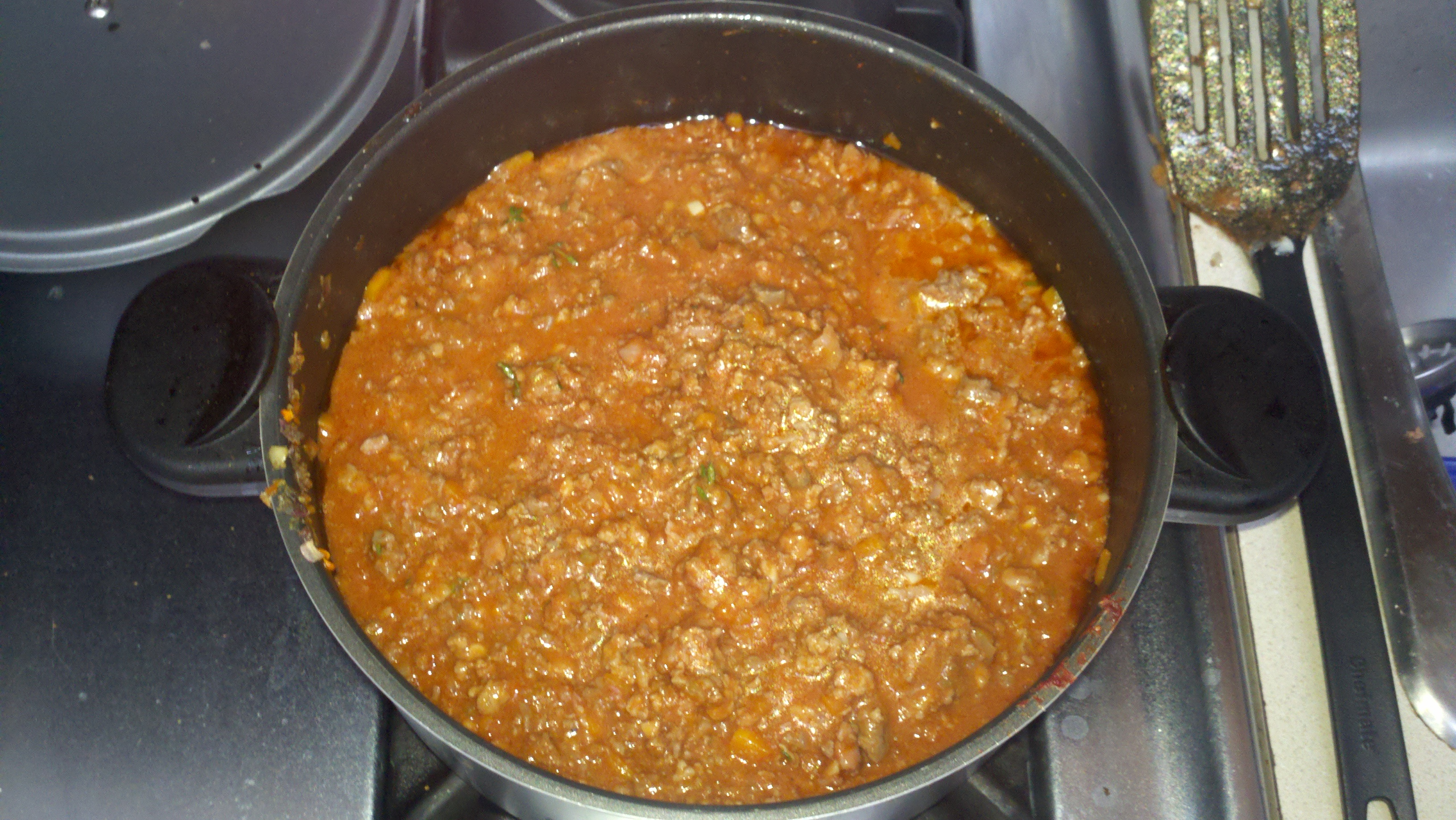 Ragu alla bolognese in the pot