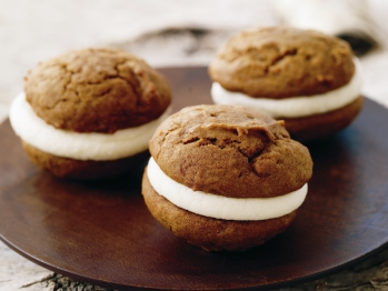 Post image for Pumpkin whoopie pies and creative variations