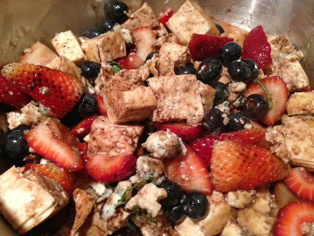 Berries with tofu and blue cheese