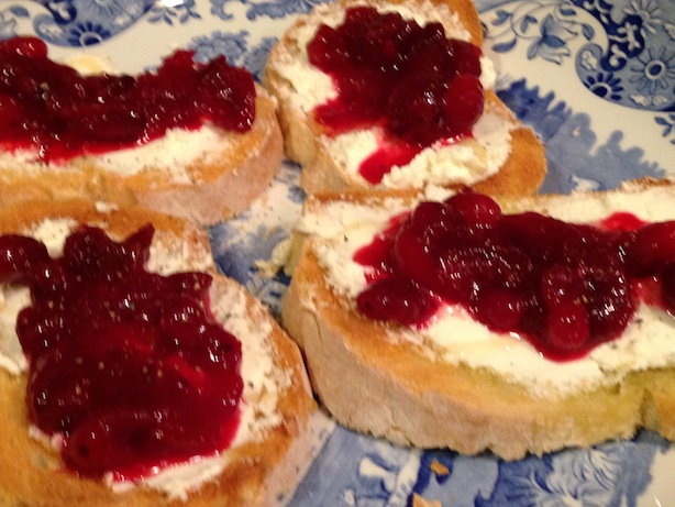 Cranberry relish and goat cheese crostini